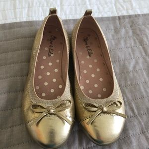 Girls Size 1 Gold Olive & Edie Flats
